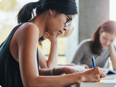 ¿Cuál es el porcentaje de aceptados en universidades top?