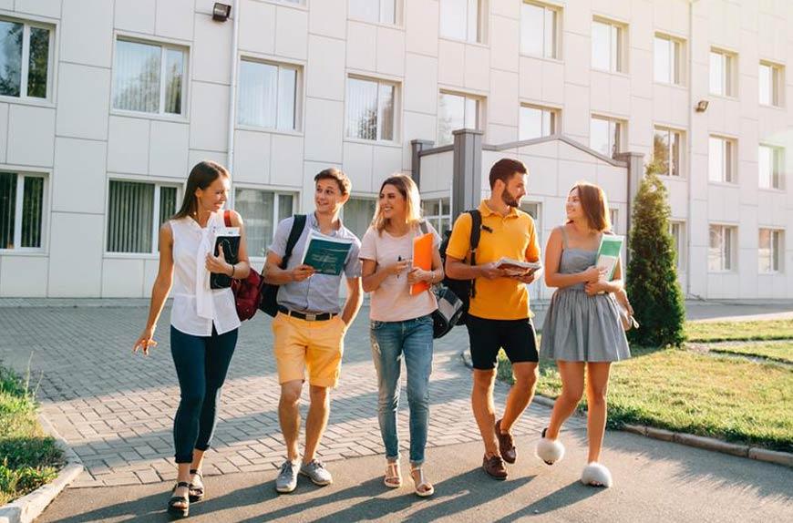 ¿Qué debes saber para estudiar pregrado en el extranjero?