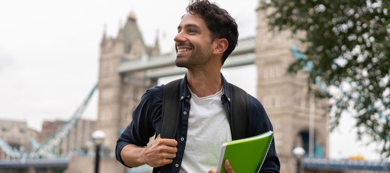 Conoce cuánto cuesta estudiar pregrado en el extranjero