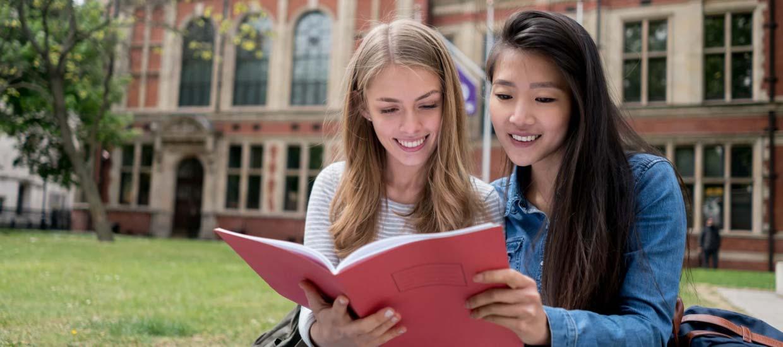 6 diferencias entre estudiar en una universidad de USA y una de UK